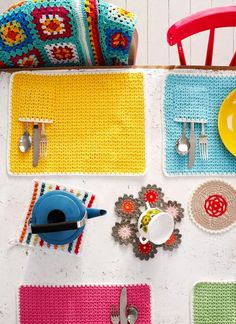 Rachel Whiting Commissioned Photography for Mollie Makes Crochet - includes three doily / potholder designs by Emma Lamb Crochet Diy, Crochet Home Decor, Crochet Books, Love Crochet, Crochet Crafts, Crochet Projects, Mollie Makes, Crochet Placemats, Crochet Doilies