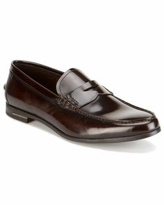 Some of you have to get in on this: Prada Leather Penny Loafer Prada Shoes, Men's Shoes, Dress Shoes, Dress Clothes, Leather Chelsea Boots, Leather Men, Penny Loafers, Loafers Men, Best Mens Fashion
