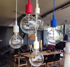 Lámpara E27 del diseñador Mattias Sathlbom para la firma Muuto en el showroom de Mérida y Guadalajara!