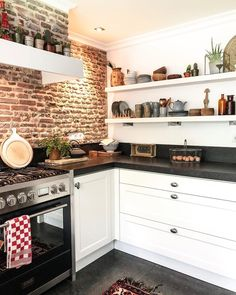 Brick Wall Kitchen, Living Room Kitchen, New Kitchen, Kitchen Interior, Kitchen Design, Kitchen Decor, Home Office Decor, Home Decor Trends, Kitchen Styling