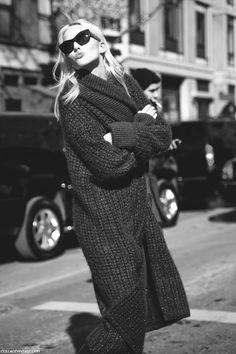 "amy-ambrosio: "" Sasha Luss during New York Fall/Winter Fashion Week "" Looks Style, Style Me, Moda Formal, New Yorker Mode, Dress Up, New York Fashion Week Street Style, Winter Stil, Winter Mode, Inspiration Mode"