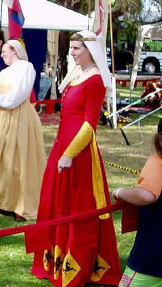 Catherine d'Arc, via Flickr - GREAT dress!