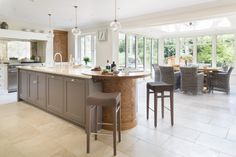 This Luxury Bespoke Kitchen in Hadley Wood is a stunning example of the traditional joinery techniques and workmanship by Humphrey Munson. Kitchen Interior, Living Room Kitchen, Small Space Interior Design, Kitchen Colour Combination, Bespoke Kitchens, Luxury Kitchens, Kitchen Remodel, Best Kitchen Designs, Kitchen Design