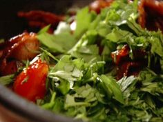 Picture of Bacon and Tomato Hash Recipe, Nigella Lawson's, I can never get enough tomatoes and thick bacon just makes my mouth water! i love this dish with halved cherry tomatoes for a quick side dish ( from food network) Meat Salad, Bacon Salad, Nigella Lawson, Grilling Recipes, Pork Recipes, Recipies, Hash Recipe, Pork Ham, Breakfast Hash