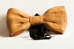 Holly bow tie -www.woodenwearables.com Wooden Jewelry, Boards, Bow, Artists, Jewellery, Accessories, Planks, Arch, Longbow