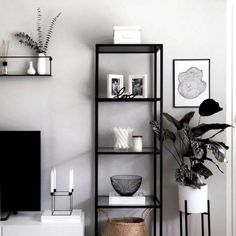 51 brilliant solution small apartment living room decor ideas and remodel 51 in 2020 (With images) Ikea Living Room Storage, Ikea Living Room Furniture, Living Room Decor, Small Apartment Living, Small Living Rooms, Living Room Designs, Small Apartments, Sala Grande, Living Room Entertainment Center