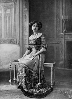 Les Modes (Paris) 1910 Robe d'apres-midi par la Maison Agnes