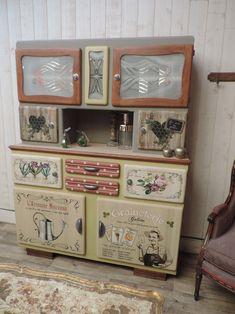 Buffet mado, déco nature, Meuble vintage, années 50, fifties, MamZelle Térébenthine, Meuble peint, relooké. Meuble personnalisé.Le buffet du jardinier