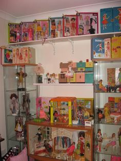 Barbie Room, Doll Display, Funko Pop, Collections, Baseball Cards, Dolls, Baby Dolls, Barbie Bedroom, Puppet