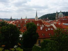 Radically red roofs of Prague as seen from one of the many hills, walking through the palace gardens. If I could put this city in my Proyager to take out and visit any time, I totally would.  #prague #czechrepublic #palacegardens #europe #eurotrip #travelmemories #travelmemory #travel #discover #explore #wander #walk #hills #rooftops #proyager #proyageraus #putitinaproyager #canvasbags #bags