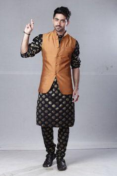 Indian Men Fashion, Mens Fashion, Men Hairstyle Names, Zain Imam Instagram, Tashan E Ishq, Look Man, Cute Stars, Indian Man, Cute Eyes