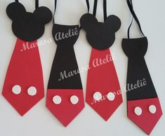 Gravata Mickey E.V.A Fiesta Mickey Mouse, Mickey Mouse Parties, Baby Mickey, Mickey Party, Mickey Minnie Mouse, Minnie Mouse Clubhouse, Mickey Mouse 1st Birthday, Theme Mickey, Minnie Mouse Decorations