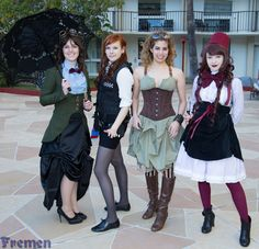 Steampunk Doctor Who cosplays
