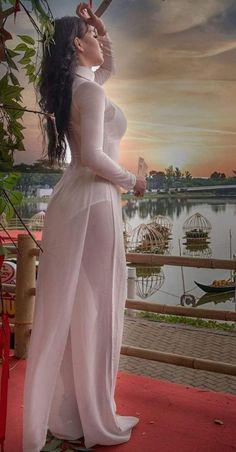 Appreciation Of Stunning Blonde Models From Around The World - Visit to watch Vietnamese Traditional Dress, Vietnamese Dress, Sexy Dresses, Girls Dresses, Jolie Lingerie, Beautiful Asian Women, Ao Dai, Up Girl, Sexy Asian Girls