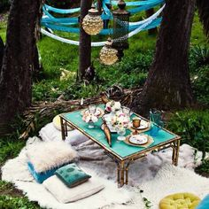 Outdoor picnic/tea party :))