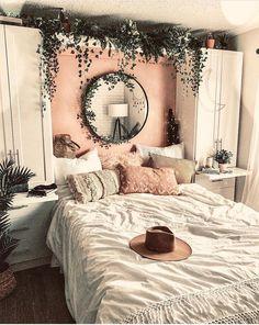 Bohemian Minimalist with Urban Outfiters Bedroom Ideas Bedroom decor; modern bed room decor ideas on a budget; Dream Rooms, Dream Bedroom, Room Decor Bedroom, Bed Room, Bedroom Themes, Bedroom Lighting, Design Bedroom, Cozy Bedroom, Dorm Room