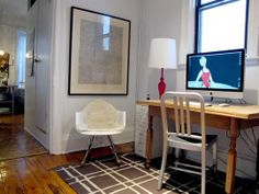 The home office from last year's Small Cool winner, Jordan's Light, Location & Vibe. Small Space Office, Small Space Living, Desk Redo, Desk Setup, Apartment Office, Apartment Therapy, Simple Desk, Studio Living, Interior Design Photos