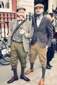 Vintage/Modern gents - london tweed run (a bit much but stil Tweed Ride, 20s Fashion, Urban Fashion, Vintage Fashion, Style Masculin, Herren Style, Country Attire, Dapper Men, Gentleman Style