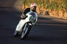 Santiago Herrero y Ossa, estaban destinados a escribir con letras de oro parte de la historia del Mundial de Motociclismo. Él, era un joven talentoso con un más que brillante futuro prometedor y, su moto, una verdadera obra de arte diseñada y creada...