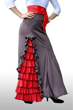 Great Value frilly Flamenco skirt, ideal for Class or Performance. Flamenco Costume, Flamenco Skirt, Flamenco Dancers, Spanish Dress, Pakistani Outfits, Designer Wear, Gothic Fashion, I Dress, Cute Dresses