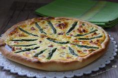 La torta salata con asparagi e ricotta è una torta rustica sfiziosa e ricchissima di gusto adatta per gite o scampagnate fuori porta.