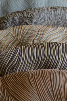elciempies: De la serie Larvas-loma Cerámica de Alta Temperatura, different barros Al Natural #texturas