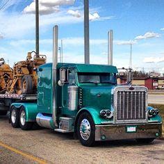 truckingworldwide:  Peterbilt custom