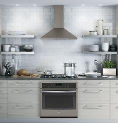 41 Affordable Farmhouse Kitchen with Slate Appliances Ideas - DecoratingRS Kitchen Hoods, Kitchen Stove, Kitchen Shelves, New Kitchen, Kitchen Dining, Kitchen Decor, Kitchen Cabinets, Slate Kitchen, Kitchen Chimney