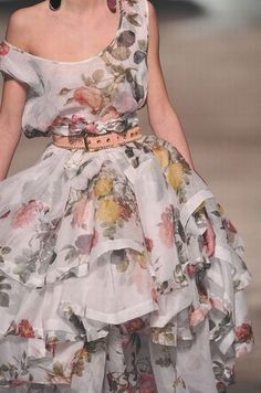 Жизнь в словах и картинках - Очень девочковый пост, Floral Fashion, Cute Fashion, Look Fashion, Fashion Details, Runway Fashion, High Fashion, Fashion Beauty, Womens Fashion, Fashion Styles