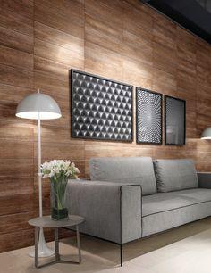 Geralmente utilizado nos pisos para trazer à tona os clássicos assoalhos de madeira natural, a utilização do porcelanato Canela nas paredes proporciona uma atmosfera de aconchego e personalidade. Além disso, o uso do porcelanato substituindo a madeira nativa demonstra preocupação com o meio ambiente e promove a sustentabilidade.  #portobello_sa #portobellolovers #Canela #Ecowood2 #porcelanato #revestimento #decor #decoraçao #wood #madeira #design #sustentavel #inovador #sustentavel #wal