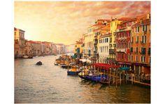 Wenecja - któż nie chciałby być tam. Jeśli nie masz takiej możliwości, być może fototapeta http://www.murando.pl/fototapeta-350x270-cm-wenecja-kolorowe-miasto-na-wodzie-8900/ częśćiowo zrekompensuje tęsknotę za Wenecją.