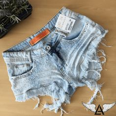 Shorts Jeans Com Ilhos