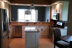 Kitchen - Get $25 credit with Airbnb if you sign up with this link http://www.airbnb.com/c/groberts22