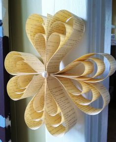 Hanging Paper Ornament circle of hearts por DanasPaperFlowers, $12,00