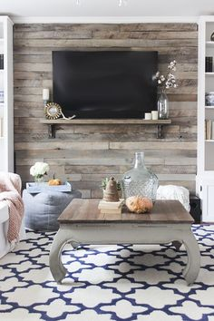 How to build a pallet accent wall with TV mounted on top. Link to tutorial show … How to build a pallet accent wall with TV mounted on top. Link to tutorial show show to hide all wires plus safety tips on using the correct type of pallet. Pallet Accent Wall, Diy Pallet Wall, Pallet Walls, Accent Walls, Pallet Furniture, Pallet Wall Bedroom, Furniture Projects, Diy Projects, Ship Lap Accent Wall