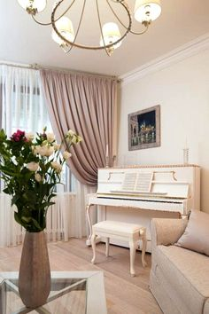 How to place a piano in an interior of your house - пианино в интерьере Home Room Design, Home Interior Design, Living Room Designs, Piano Room Decor, Home Decor Bedroom, Painted Pianos, White Piano, Beautiful Interiors, Decoration