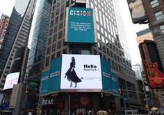 The Post-80s Returnees Financial Beauty is Marching into Hong Kong Media and has gone up to Times Square in New York