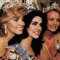 Astrid Carolina Herrera Miss Venezuela Miss World 1984..  Acompañada Miss Canadá - Constance Ellen Fitzpatrick 1ra Finalista y de Miss Australia - Lou-Anne Ronchi 2da Finalista..  By Antoni Azocar