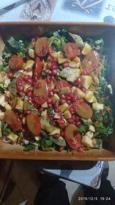 Σαλάτα με σπανάκι, αβοκάντο, μήλο και ρόδι Potato Salad, Potatoes, Ethnic Recipes, Food, Potato, Essen, Meals, Yemek, Eten