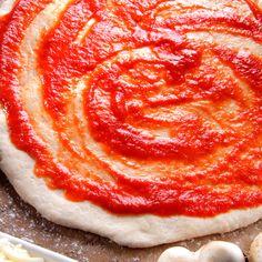 Massa de Pizza Tradicional – Comidinhas do Chef Mini Pizzas, Receita Mini Pizza, Candy Party, Ratatouille, Pizza Tradicional, Food And Drink, Pasta, Breakfast, Ethnic Recipes