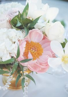 Flower Arrangements Inspiration: Beautiful #flower centerpiece | Photo by: Emily Heizer on Glamour & Grace via Lover.ly