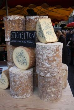 Home-made Gorgonzola cheese - homemade cheese/dips and butter - Cheese Fromage Vegan, Fromage Cheese, Gorgonzola Cheese, Butter Cheese, Milk And Cheese, Wine Cheese, Making Cheese At Home, How To Make Cheese, Cheese Recipes