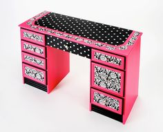Damask Desk decoupage with Mod Podge, Scrapbook paper and paint! Funky Furniture, Furniture Projects, Furniture Makeover, Painted Furniture, Diy Projects, Desk Makeover, Painted Chairs, Urban Furniture, White Furniture