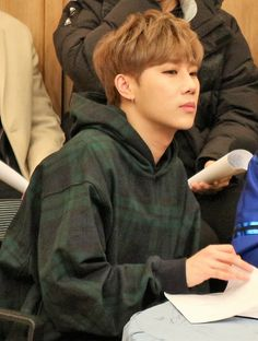 20180114 Cultow Show Official Photo update - Talking with the star #인피니트 #SungKyu