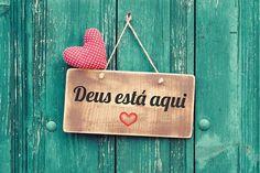 «Por vezes é preciso silenciar, falar somente com Deus, guardar as palavras dentro de nós, pra que não sejam evasivas ou tolas. E acreditar que não importa a dor, não importa o vento, Tudo vai passar...»