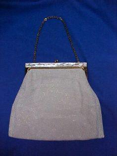 Antique-VTG-Art-Deco-Cut-Mother-of-Pearl-Chain-Purse-Whiting-Davis-Bead-Bag