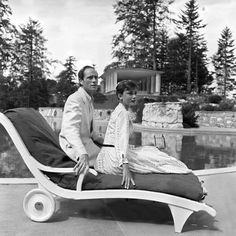 Audrey Hepburn and Mel Ferrer photographed by Franco Fedeli Buergenstock, Switzerland, 1955 Audrey Hepburn Makeup, Audrey Hepburn Born, Audrey Hepburn Photos, Old Hollywood Actresses, British Actresses, Vintage Hollywood, Classic Hollywood, Belgium, Celebs
