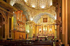 Interior Església Parroquial de la Santa Creu de Pedreguer, on es veu el prestigiòs Orgue Grenzing