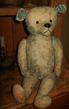 Love old bears!  From Early Country Antiques