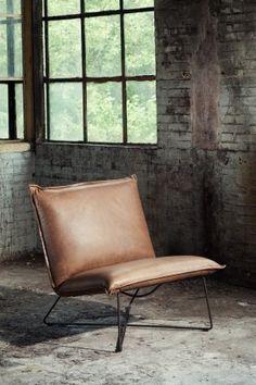 Earl high lounge chair